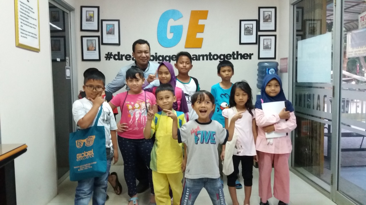 Group English Class Global Excellence 1