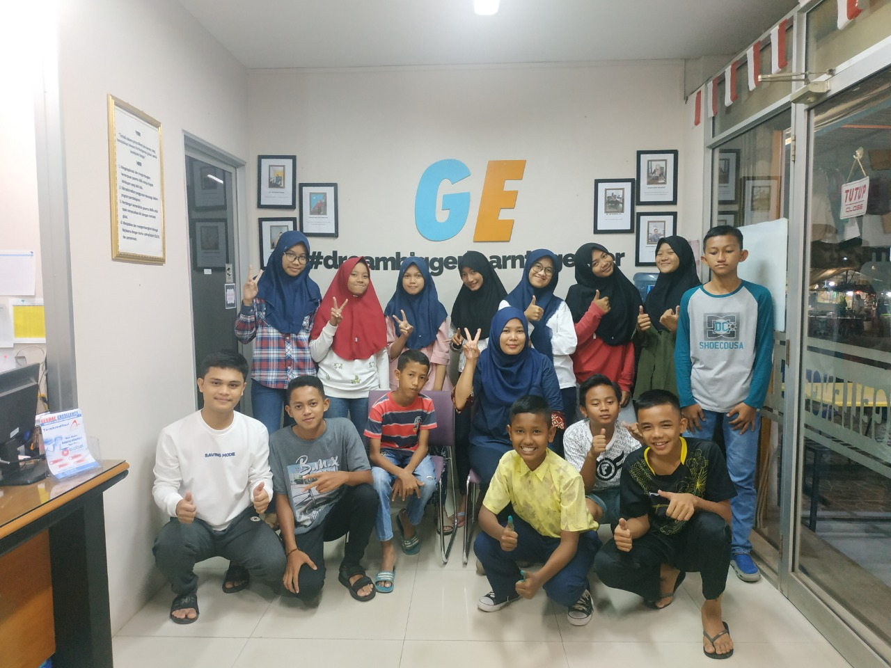 Group English Class Global Excellence 2